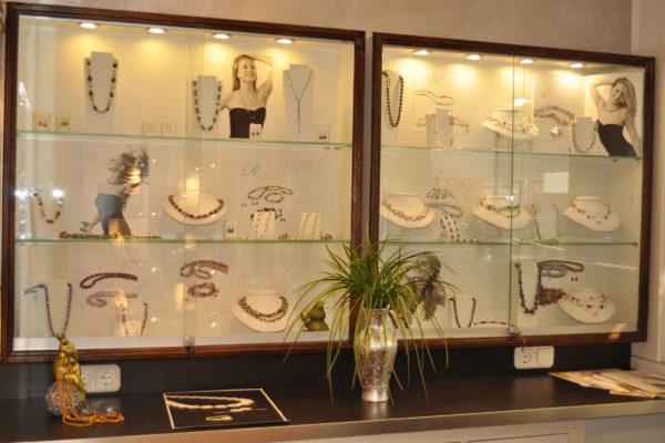 Perlenausteller in der Perlenwelt